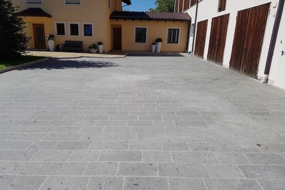 Granit-meets-Bauernhof