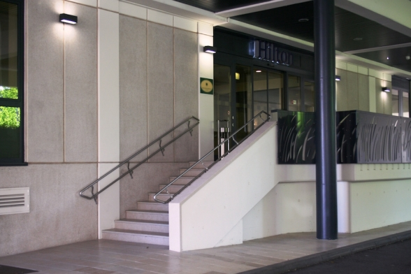 Eingangsbereich Hilton Danube Waterfront